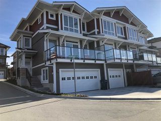 "Photo 3: 5976 BEACHGATE Lane in Sechelt: Sechelt District Townhouse for sale in ""Edgewater"" (Sunshine Coast)  : MLS®# R2333823"