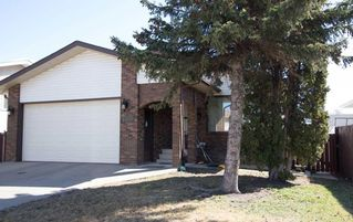 Main Photo: 15715 100 Street NW in Edmonton: Zone 27 House for sale : MLS®# E4143195