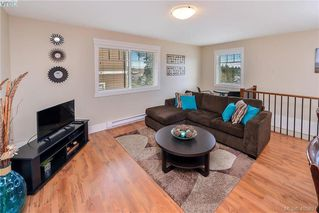 Photo 5: 942 Arngask Avenue in VICTORIA: La Bear Mountain Single Family Detached for sale (Langford)  : MLS®# 405897