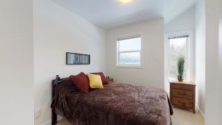 "Photo 11: 2 1204 MAIN Street in Squamish: Downtown SQ Townhouse for sale in ""Aqua"" : MLS®# R2343310"