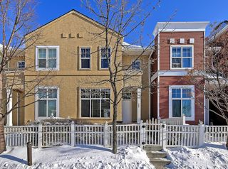Photo 1: 138 PROMENADE Way SE in Calgary: McKenzie Towne Row/Townhouse for sale : MLS®# C4228502