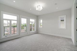 Photo 15: 3759 PORTLAND Street in Burnaby: Suncrest House for sale (Burnaby South)  : MLS®# R2362027