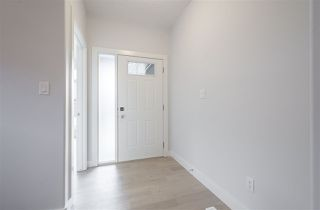 Photo 2: 8 4517 190A Street in Edmonton: Zone 20 Townhouse for sale : MLS®# E4156728