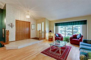 Photo 4: 39 SIERRA MORENA Circle SW in Calgary: Signal Hill Detached for sale : MLS®# C4256131
