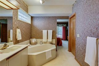 Photo 15: 39 SIERRA MORENA Circle SW in Calgary: Signal Hill Detached for sale : MLS®# C4256131