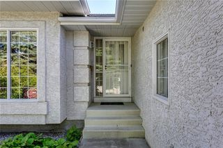 Photo 3: 39 SIERRA MORENA Circle SW in Calgary: Signal Hill Detached for sale : MLS®# C4256131