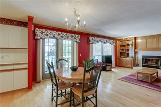 Photo 11: 39 SIERRA MORENA Circle SW in Calgary: Signal Hill Detached for sale : MLS®# C4256131
