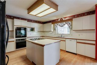Photo 7: 39 SIERRA MORENA Circle SW in Calgary: Signal Hill Detached for sale : MLS®# C4256131