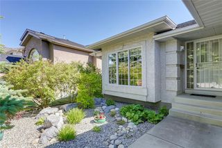 Photo 2: 39 SIERRA MORENA Circle SW in Calgary: Signal Hill Detached for sale : MLS®# C4256131