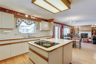 Photo 8: 39 SIERRA MORENA Circle SW in Calgary: Signal Hill Detached for sale : MLS®# C4256131