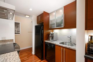 "Photo 13: 205 2100 W 3RD Avenue in Vancouver: Kitsilano Condo for sale in ""Panora Place"" (Vancouver West)  : MLS®# R2387514"