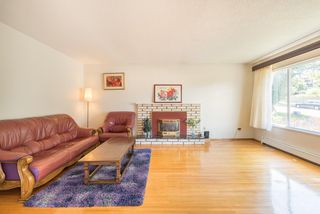 Photo 3: 5320 SUSSEX Avenue in Burnaby: Forest Glen BS House for sale (Burnaby South)  : MLS®# R2396250