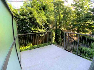 Photo 3: 201 5568 KINGS Road in Vancouver: University VW Townhouse for sale (Vancouver West)  : MLS®# R2414641