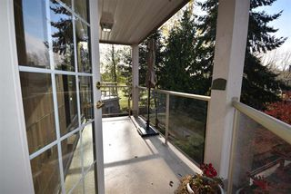 Photo 14: 309 15340 19A Avenue in Surrey: King George Corridor Condo for sale (South Surrey White Rock)  : MLS®# R2419437