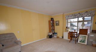 Photo 12: 309 15340 19A Avenue in Surrey: King George Corridor Condo for sale (South Surrey White Rock)  : MLS®# R2419437
