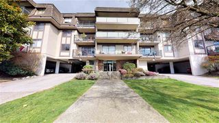 "Photo 11: 202 252 W 2ND Street in North Vancouver: Lower Lonsdale Condo for sale in ""Sandringham Mews"" : MLS®# R2446259"