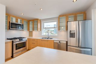 Main Photo: 601 121 W 16TH Street in North Vancouver: Central Lonsdale Condo for sale : MLS®# R2468034