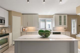 Photo 1: 955 BURROWS Crescent in Edmonton: Zone 14 House for sale : MLS®# E4204309