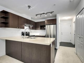 Photo 11: 312 738 E 29TH Avenue in Vancouver: Fraser VE Condo for sale (Vancouver East)  : MLS®# R2498995