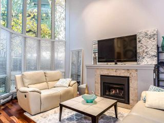 "Photo 4: T08 1501 HOWE Street in Vancouver: Yaletown Townhouse for sale in ""888 Beach"" (Vancouver West)  : MLS®# R2517539"