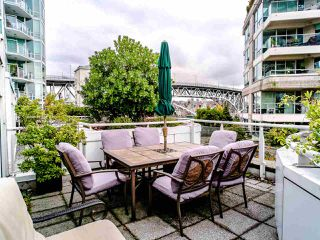 "Photo 33: T08 1501 HOWE Street in Vancouver: Yaletown Townhouse for sale in ""888 Beach"" (Vancouver West)  : MLS®# R2517539"
