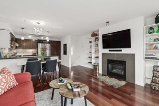 "Main Photo: 680 W 6TH Avenue in Vancouver: Fairview VW Townhouse for sale in ""Bohemia"" (Vancouver West)  : MLS®# R2519604"