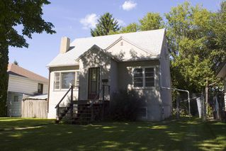Photo 2: 8120 76 Avenue in Edmonton: Zone 17 House for sale : MLS®# E4224457