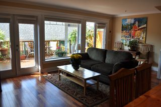 Photo 10: 223 E 17TH Street in North Vancouver: Central Lonsdale House 1/2 Duplex for sale : MLS®# V891734