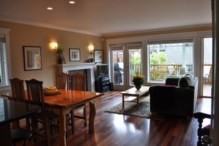 Photo 3: 223 E 17TH Street in North Vancouver: Central Lonsdale House 1/2 Duplex for sale : MLS®# V891734