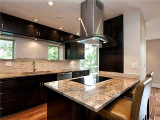 Photo 4: 302 2628 ASH Street in Vancouver: Fairview VW Townhouse for sale (Vancouver West)  : MLS®# V957986