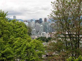 Photo 2: 302 2628 ASH Street in Vancouver: Fairview VW Townhouse for sale (Vancouver West)  : MLS®# V957986