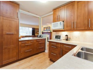 "Photo 7: 17022 HEREFORD Place in Surrey: Cloverdale BC House for sale in ""Cloverdale Hillside"" (Cloverdale)  : MLS®# F1402561"