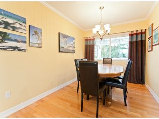 "Photo 3: 17022 HEREFORD Place in Surrey: Cloverdale BC House for sale in ""Cloverdale Hillside"" (Cloverdale)  : MLS®# F1402561"