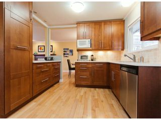 "Photo 6: 17022 HEREFORD Place in Surrey: Cloverdale BC House for sale in ""Cloverdale Hillside"" (Cloverdale)  : MLS®# F1402561"