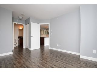 """Photo 7: 1001 1 RENAISSANCE Square in New Westminster: Quay Condo for sale in """"THE Q AT THE NEW WESTMINSTER QUAY"""" : MLS®# V1061175"""