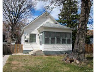 Photo 1: 19 Guay Avenue in WINNIPEG: St Vital Residential for sale (South East Winnipeg)  : MLS®# 1409385