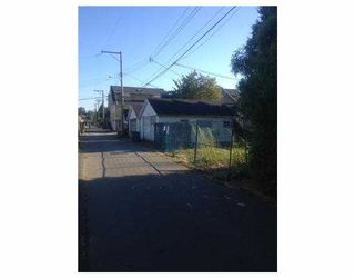 """Photo 3: 4328 KNIGHT Street in Vancouver: Knight House for sale in """"ZONED: MULTIPLE FAMILY DWELLING"""" (Vancouver East)  : MLS®# V1067197"""