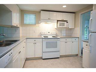 "Photo 3: 2 9036 208TH Street in Langley: Walnut Grove Townhouse for sale in ""Hunter's Glen"" : MLS®# F1424781"