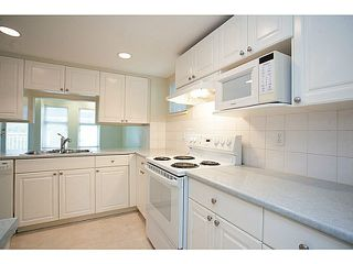 "Photo 4: 2 9036 208TH Street in Langley: Walnut Grove Townhouse for sale in ""Hunter's Glen"" : MLS®# F1424781"