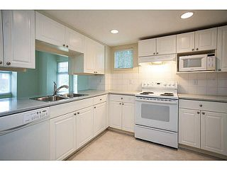 "Photo 2: 2 9036 208TH Street in Langley: Walnut Grove Townhouse for sale in ""Hunter's Glen"" : MLS®# F1424781"