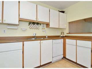 "Photo 8: 213 15275 19 Avenue in Surrey: King George Corridor Condo for sale in ""Village Terrace"" (South Surrey White Rock)  : MLS®# F1425373"