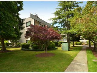 "Photo 18: 213 15275 19 Avenue in Surrey: King George Corridor Condo for sale in ""Village Terrace"" (South Surrey White Rock)  : MLS®# F1425373"