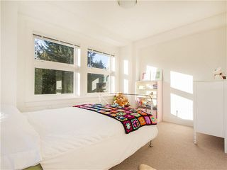 """Photo 13: 1769 E 20TH Avenue in Vancouver: Victoria VE Townhouse for sale in """"Cedar Cottage Townhouses"""" (Vancouver East)  : MLS®# V1094982"""