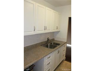 Photo 9: 300 Roslyn Road in WINNIPEG: Fort Rouge / Crescentwood / Riverview Condominium for sale (South Winnipeg)  : MLS®# 1501662