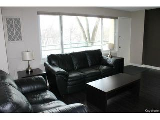 Photo 4: 300 Roslyn Road in WINNIPEG: Fort Rouge / Crescentwood / Riverview Condominium for sale (South Winnipeg)  : MLS®# 1501662