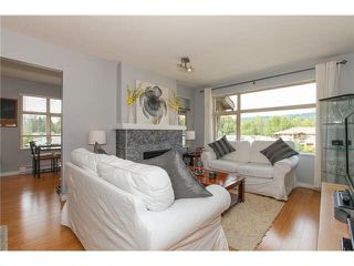 "Photo 3: 405 500 KLAHANIE Drive in Port Moody: Port Moody Centre Condo for sale in ""TIDES AT KLAHANIE"" : MLS®# V1142107"