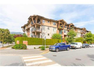 "Photo 2: 405 500 KLAHANIE Drive in Port Moody: Port Moody Centre Condo for sale in ""TIDES AT KLAHANIE"" : MLS®# V1142107"