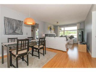 "Photo 5: 405 500 KLAHANIE Drive in Port Moody: Port Moody Centre Condo for sale in ""TIDES AT KLAHANIE"" : MLS®# V1142107"