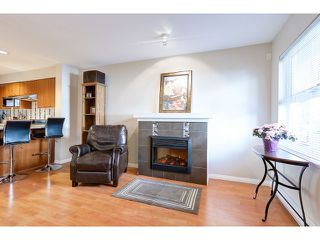 "Photo 3: 18 188 SIXTH Street in New Westminster: Uptown NW Townhouse for sale in ""ROYAL CITY TERRACE"" : MLS®# R2038305"