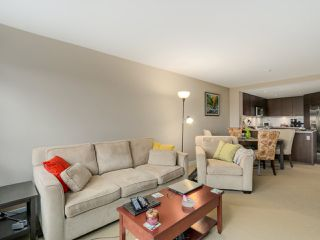 """Photo 5: 405 2940 KING GEORGE Boulevard in Surrey: Elgin Chantrell Condo for sale in """"HIGH STREET"""" (South Surrey White Rock)  : MLS®# R2041949"""